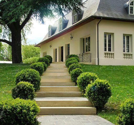 Maison de maître 5 chambres, piscine chauffée Vaucresson-Marnes la Coquette
